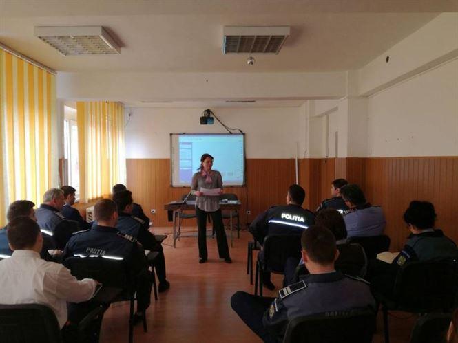 Siguranta pe internet, prioritate pentru politistii braileni