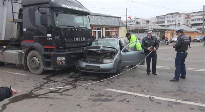 Din cauza neatentiei si-a distrus masina si s-a ales cu clavicula rupta