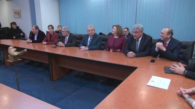 Noii parlamentari si-au primit certificatele doveditoare
