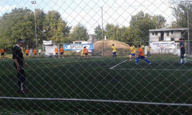 Fotbal pe terenul sintetic Rikan Sport