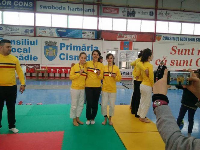 Teodora Naidin, vicecampioana nationala la individual si campioana la echipe la judo U 16