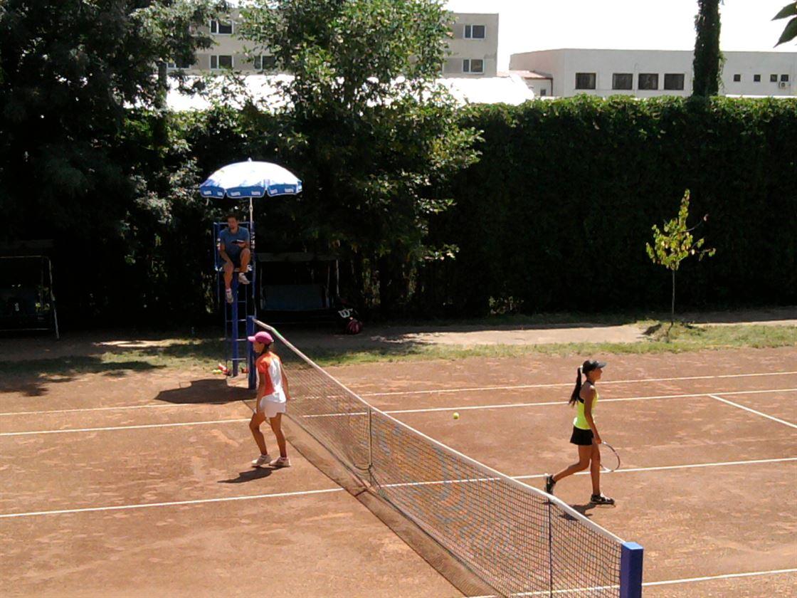Tenis spectacol in finalele campionatului national U12