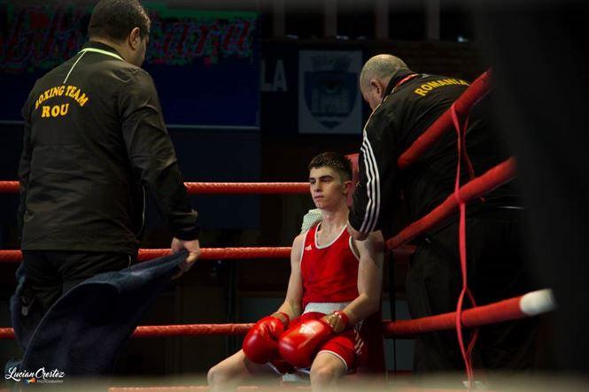 Robert Jitaru, primul roman calificat in sferturile de finala ale Campionatului European de box U 22