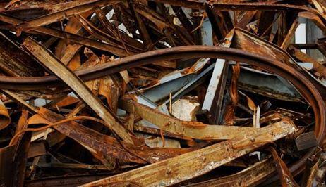 Aproape o tona de fier vechi confiscata de politisti