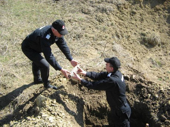 Asanare de munitie la poligonul Muchea