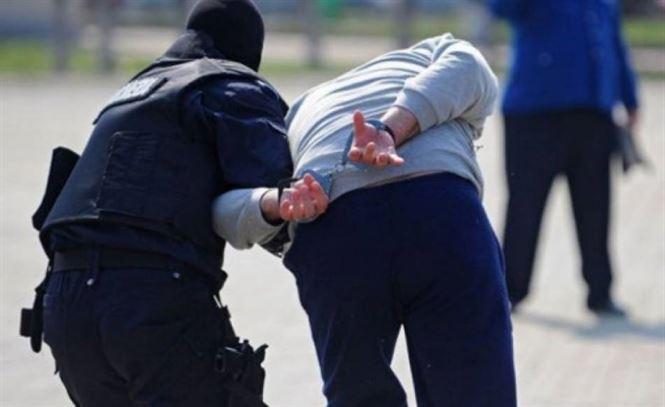 Brailean urmarit international, extradat din Spania si incarcerat