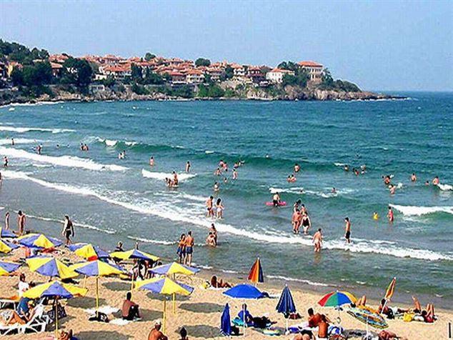 Avertisment MAE - Exista riscul ridicat ca apa marii sa fie infectata cu virusul hepatic A, pe litoralul bulgaresc