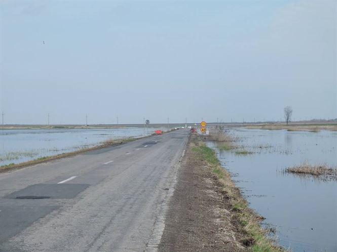 In urma topirii zapezii, mai multe terenuri aricole au fost inundate