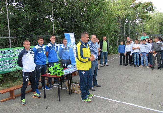 Caravana fotbalului brailean a poposit astazi la Surdila Greci si Movila Miresii