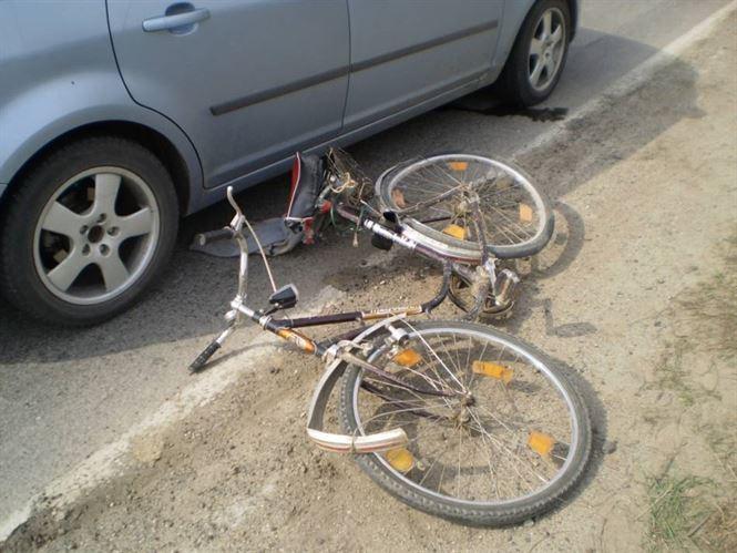 Copil de 7 ani accidentat in timp ce se plimba cu bicicleta
