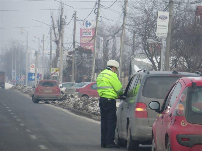 Depistat in trafic cu permisul retinut