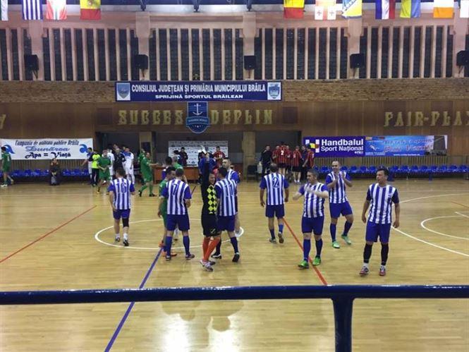Duminica dimineata au loc finalele Turneului institutiilor la fotbal in sala