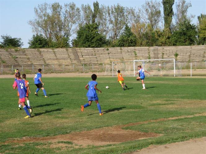 Duminica incepe faza judeteana a campionatului juniorilor D la fotbal
