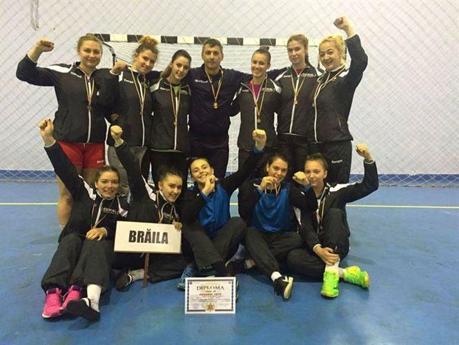 Echipa LPS Braila, medaliata cu bronz la ONSS handbal fete nivel liceal