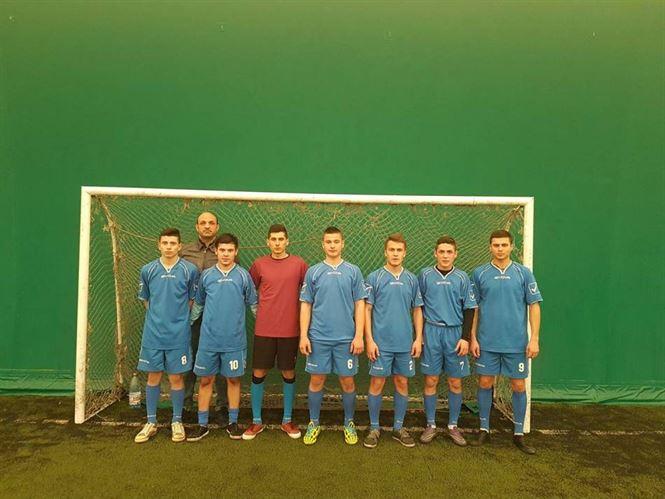 Echipa Liceului G. Valsan din Faurei castigatoarea ONSS la fotbal baieti de liceu - faza judeteana
