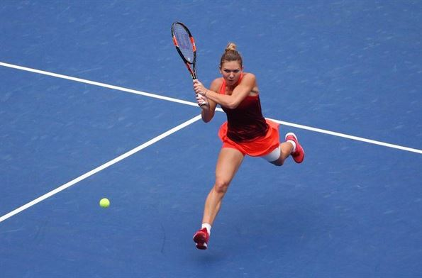 Patru romance joaca in aceasta dimineata la Australian Open