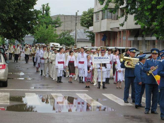 Galerie video+foto: Festivalul Muzicilor Militare - editia a XIII-a