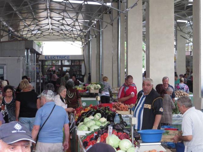 Piata Microhala, cea mai moderna piata din municipiu
