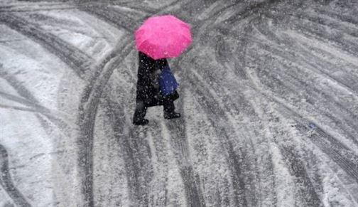 Informare meteo de racire, precipitatii mixte si intensificari ale vantului