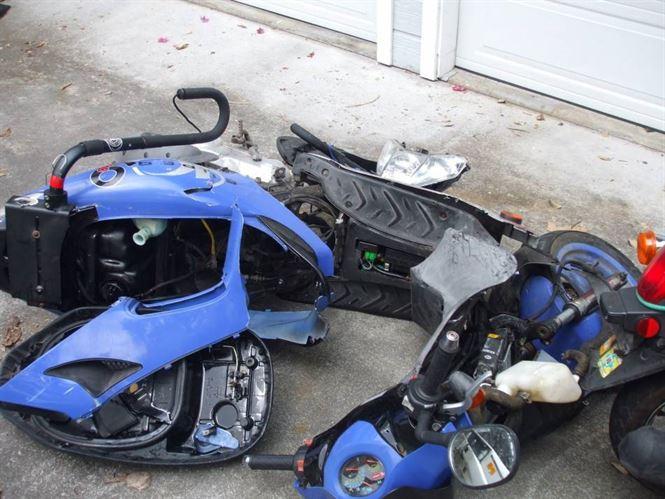 Mopedist de 71 de ani implicat intr-un accident rutier