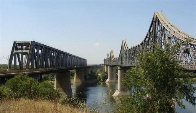 122 milioane de lei pentru modernizarea podurilor de cale ferata peste Dunare