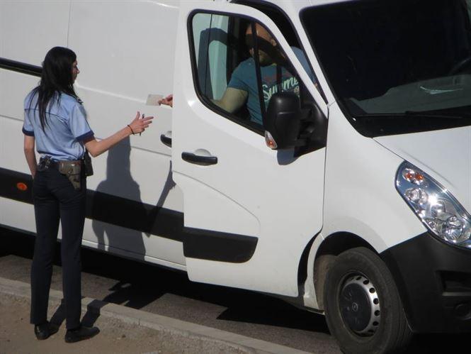 Peste 100 de autovehicule oprite in trafic de politisti