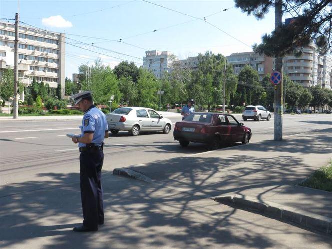 Politistii au oprit in trafic 20 de autovehicule
