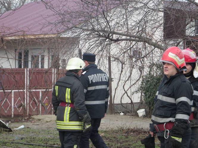 Pompierii au intervenit pentru stingerea a 6 incendii de vegetatie uscata si gunoi menajer