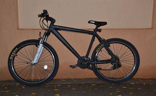 Si-a facut cadou de 8 Martie bicicleta furata