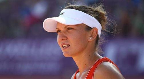 Simona Halep se lupta pentru titlu la BRD Bucharest Open cu Roberta Vinci