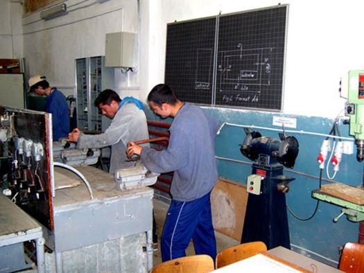 Stimularea angajatorilor pentru organizarea programelor de formare profesionala prin ucenicie