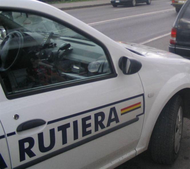 Tânăr cercetat pentru furtul mașinii părinților şi comiterea a două infracţiuni rutiere