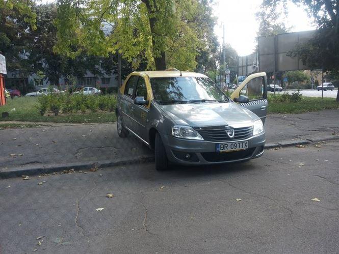 Statia de taxi nu e pe trotuar