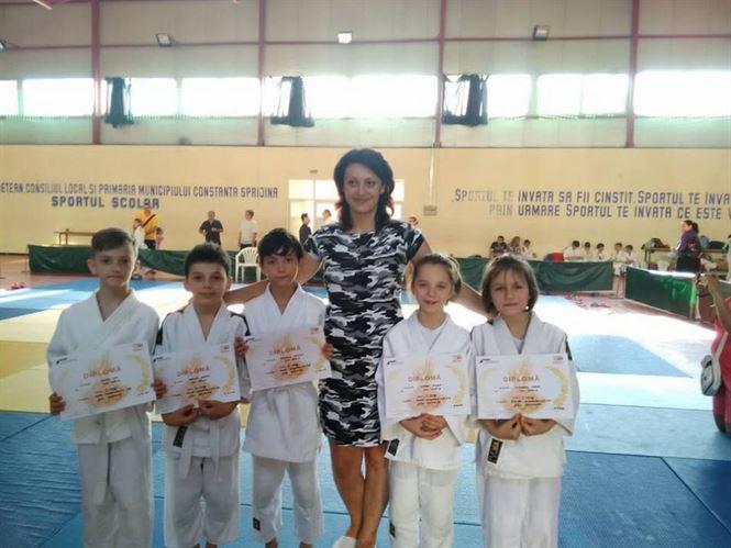 Toti cei cinci judoka braileni s-au clasat pe podium la etapa pe regiune la U10 si U11