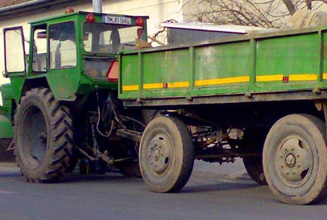 Tractorist-fara-permis-pe-drumurile-publice