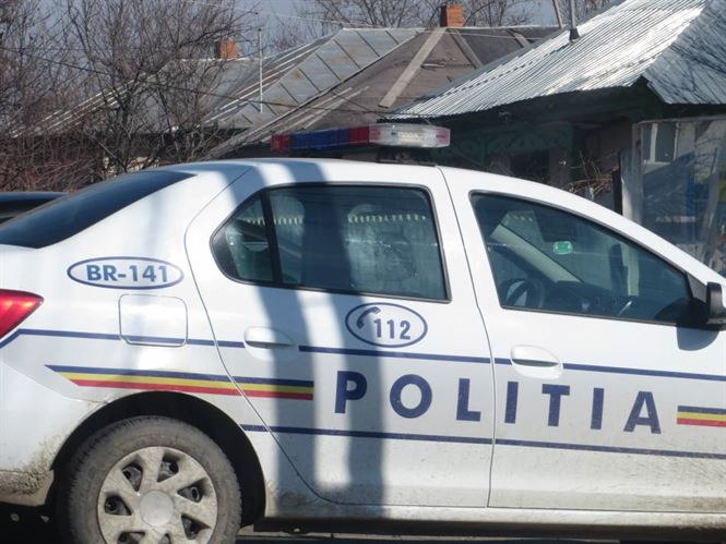 Un sofer baut a intrat cu masina in terasa unui bar din comuna Sutesti