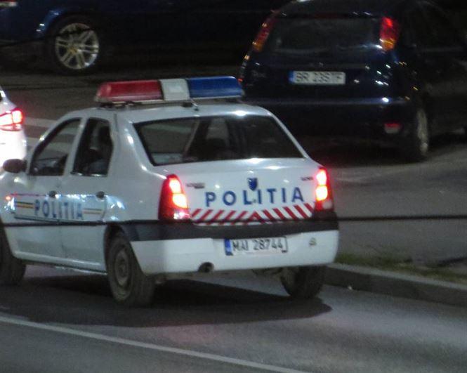 Un sofer baut a lovit o masina aflata in parcare
