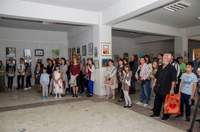 """Concursul Naţional de Pictura si Grafica """"Vespasian Lungu"""", cu peste 35 de premii acordate"""
