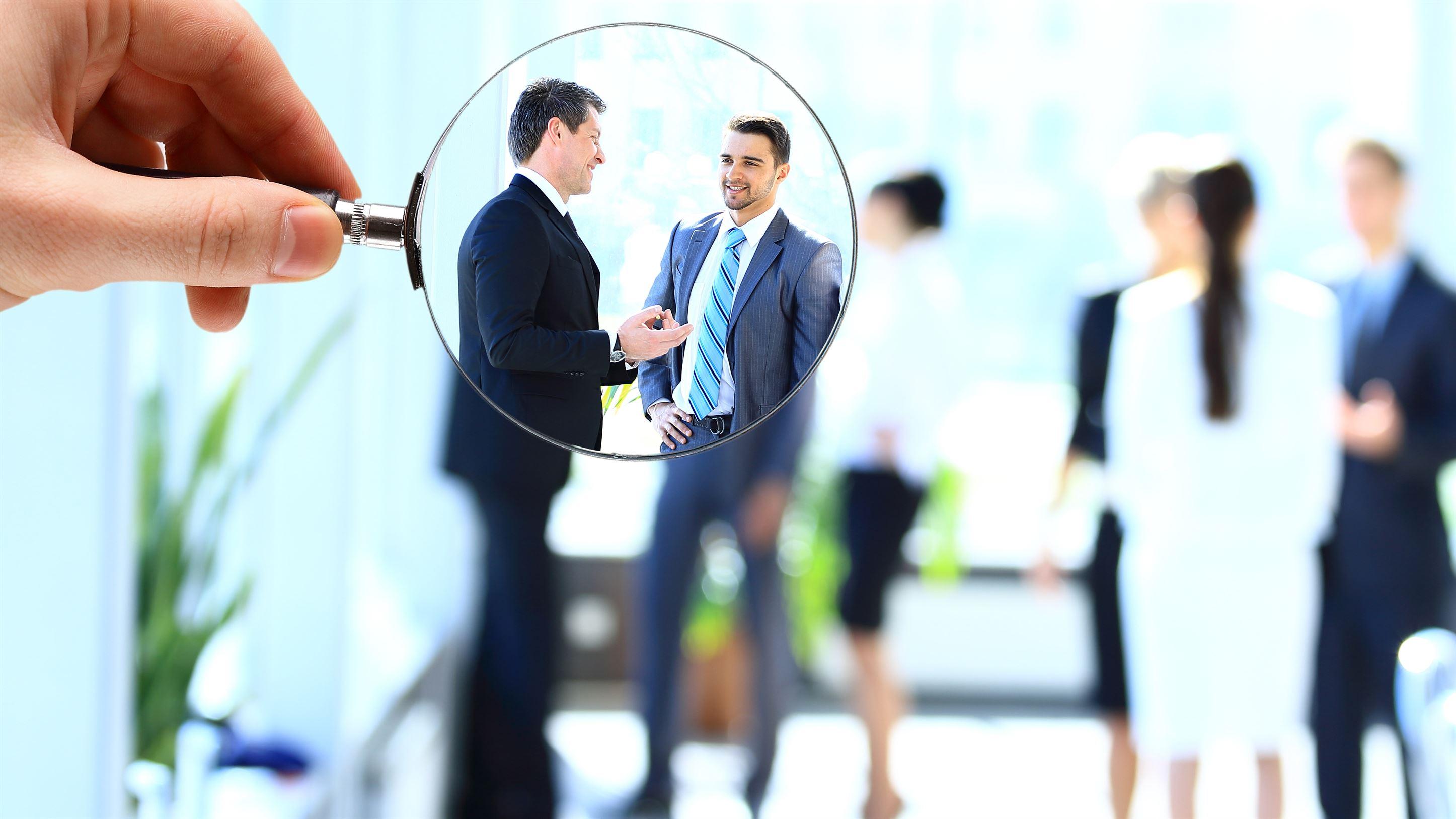 Posta Romana, cel mai mare angajator al statului, iar OMV cel mai mare angajator din mediul privat