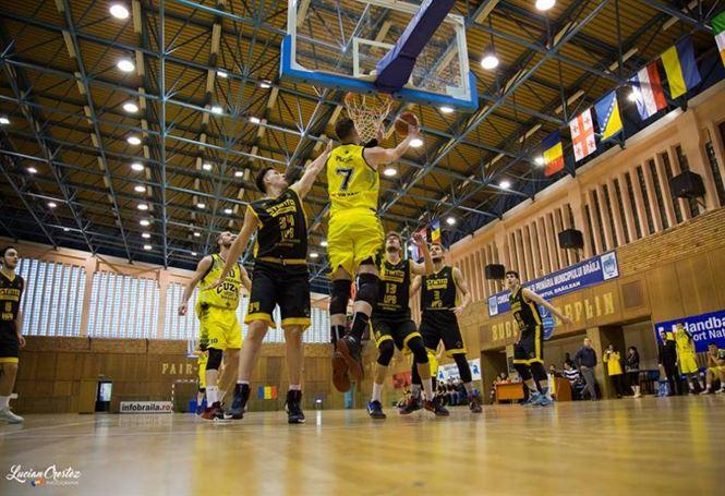 Cuza Sport Braila ramane singura echipa neinvinsa in faza semifinala a Ligii 1 la baschet masculin