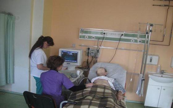 Medicii vor putea desfasura activitati remunerate dupa program