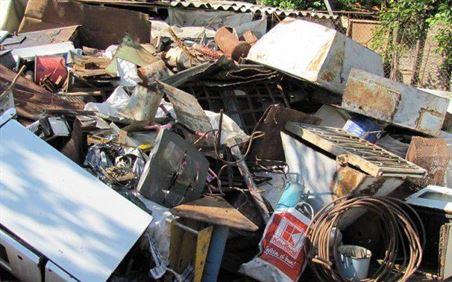 Vineri si sambata politistii braileni au confiscate peste 13 tone de deseuri feroase