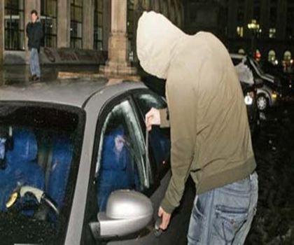 Spargator de masini prins in flagrant de politisti