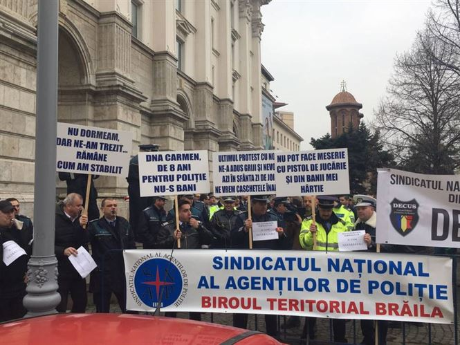 Circa 100 de politisti braileni au participat la protestele de la Bucuresti