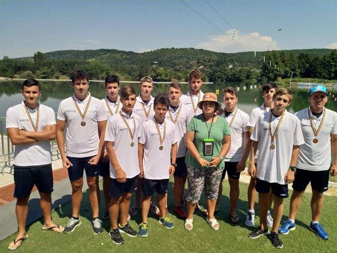 Secția de kaiac-canoe de la CSM Brăila a obținut anul trecut 26 de medalii naționale