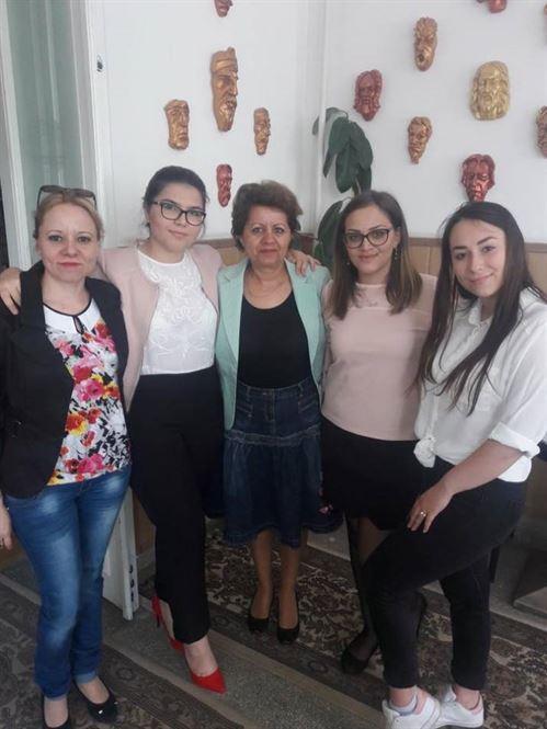 """Echipajul Liceului Perpessicius calificat la faza nationala a Olimpiadei """"Tinerii dezbat"""""""