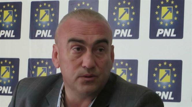 Analiza politică și memoria scurtă a Simonei Drăghincescu