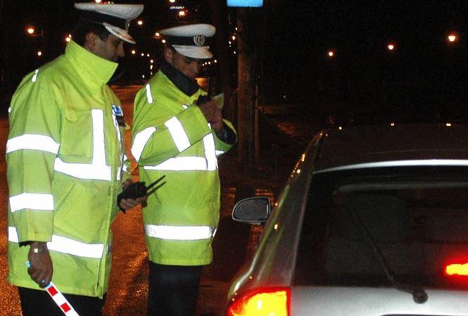 Cercetat pentru infractiuni rutiere si fals privind identitatea