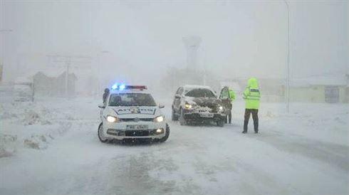 Politistii vor lua masurile necesare pentru circulatia rutiera pe timpul avertizarilor meteo