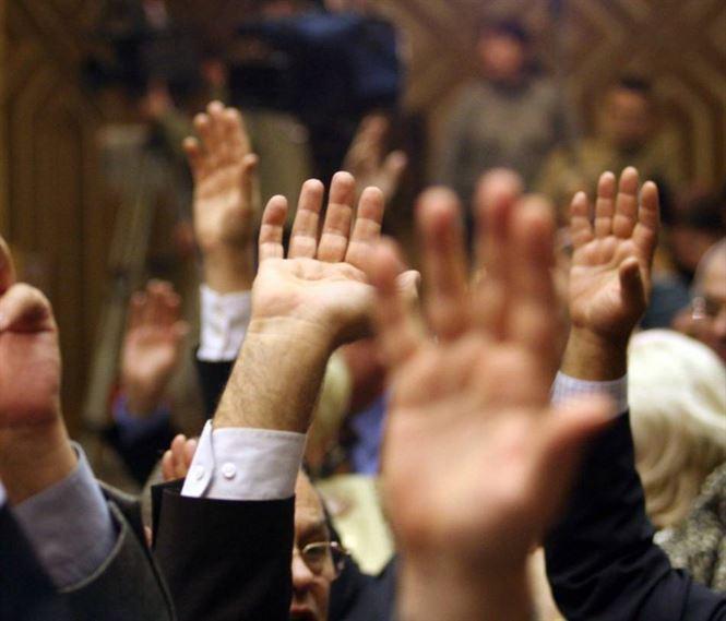 Cei cinci senatori PSD care apara parlamentarii infractori